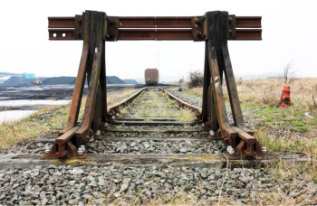 Sánta kutyák akcióban: a tavalyi ígéret ellenére nem folytatódik a vasútfelújítás