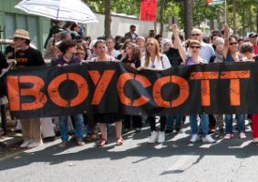 Momentum-bojkott a fideszes vendéglátóhelyek ellen: akkor most tényleg annyi a fél Noszlopy-sornak?