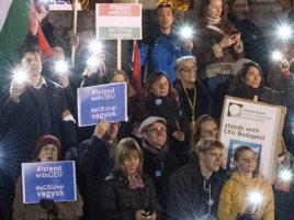 Jó hírünk a világban: kaposvári fiatalember szervezte a Momentum CEU melletti tüntetését Münchenben
